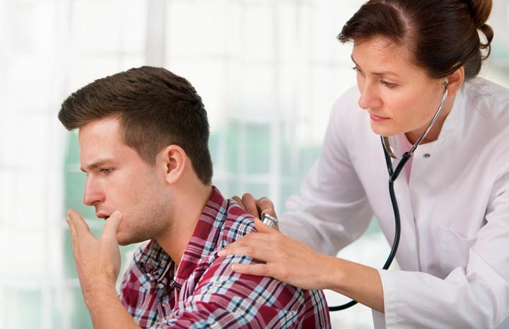 Проверка легких у врача