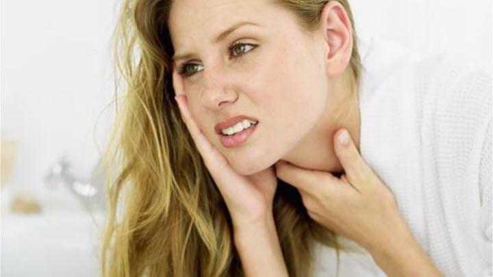 Боль в горле как один из симптомов фарингита
