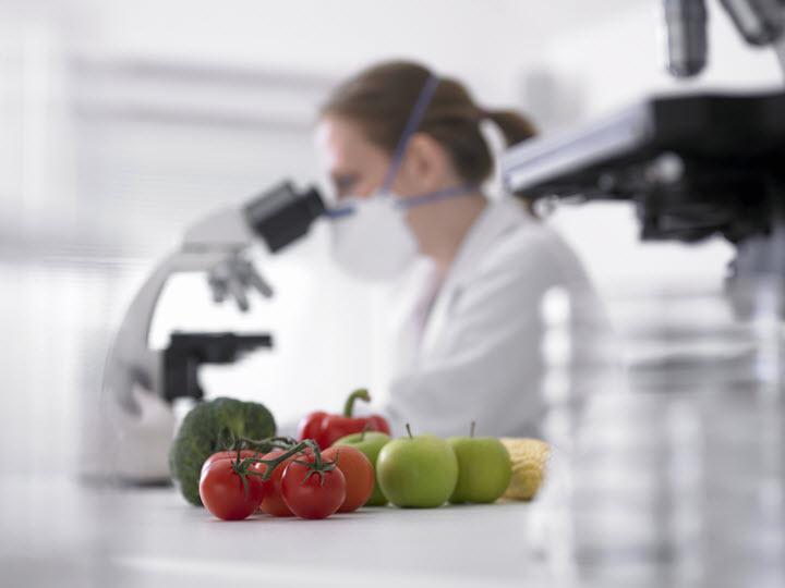 Соли тяжелых металлов могут содержаться в овощах и фруктах