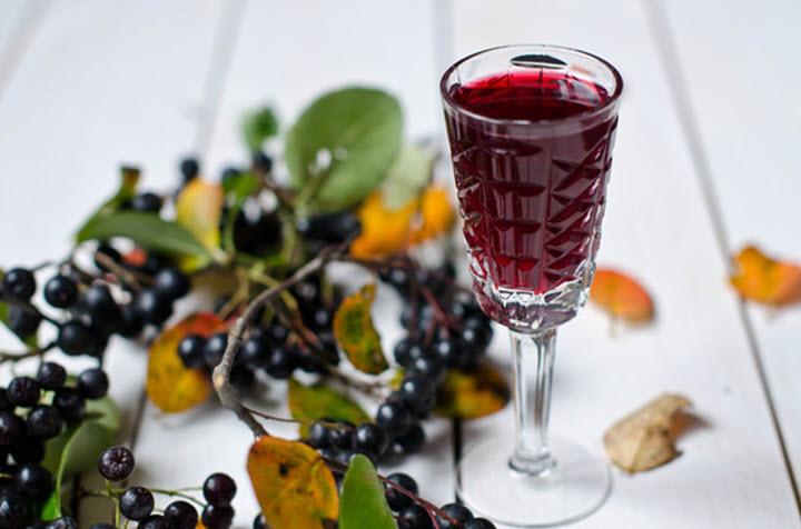 Спиртовая настойка из ягод бузины