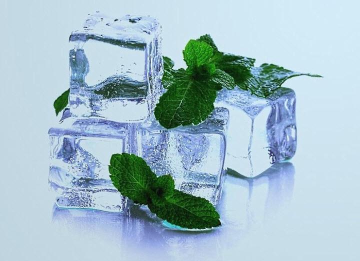 Замороженный травяной отвар для умывания